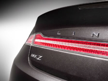2015-Lincoln-MKZ-Badge-2-1500x1000.jpg