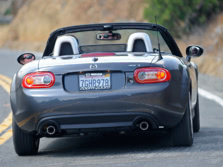 2015-Mazda-MX-5-Miata-Rear-3-1500x1000.jpg