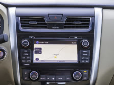 2015-Nissan-Altima-Center-Console-1500x1000.jpg