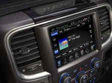 2015-Ram-Ram-Pickup-1500-Center-Console-3-1500x1000.jpg
