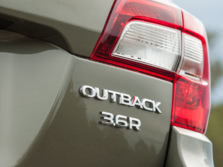 2015-Subaru-Outback-Badge-11-1500x1000.jpg