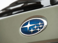 2015-Subaru-Outback-Badge-12-1500x1000.jpg