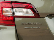 2015-Subaru-Outback-Badge-9-1500x1000.jpg