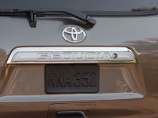 2015-Toyota-Sequoia-Badge-1500x1000.jpg
