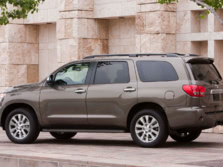 2015-Toyota-Sequoia-Rear-Quarter-1500x1000.jpg