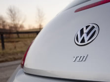 2015-Volkswagen-Beetle-Badge-5-1500x1000.jpg