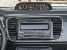 2015-Volkswagen-Beetle-Center-Console-2-1500x1000.jpg