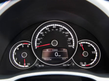2015-Volkswagen-Beetle-Instrument-Panel-3-1500x1000.jpg