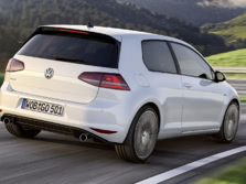 2015-Volkswagen-Golf-GTI-Rear-Quarter-1500x1000.jpg