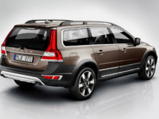 2015-Volvo-XC70-Rear-Quarter-1500x1000.jpg