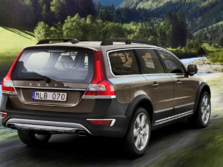 2015-Volvo-XC70-Rear-Quarter-2-1500x1000.jpg