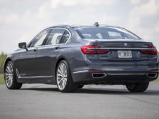 2016-BMW-7-Series-Rear-Quarter-3-1500x1000.jpg
