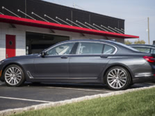 2016-BMW-7-Series-Side-1500x1000.jpg