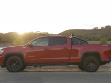 2016-Chevrolet-Colorado-Side-1500x1000.jpg