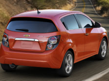 2016-Chevrolet-Sonic-Rear-Quarter-2-1500x1000.jpg