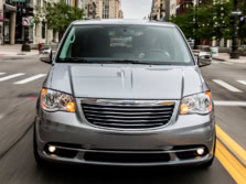 2016-Chrysler-Town-and-Country-Front-1500x1000.jpg