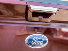 2016-Ford-F-150-Badge-6-1500x1000.jpg