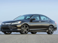 2016-Honda-Accord-Front-Quarter-1500x1000.jpg