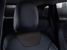 2016-Jeep-Cherokee-Interior-Detail-1500x1000.jpg