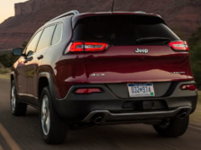2016-Jeep-Cherokee-Rear-Quarter-2-1500x1000.jpg