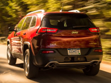 2016-Jeep-Cherokee-Rear-Quarter-3-1500x1000.jpg