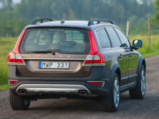 2016-Volvo-XC70-Rear-Quarter-1500x1000.jpg