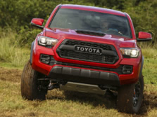 2017-Toyota-Tacoma-TRD-Crew-Cab-Front-1500x1000.jpg